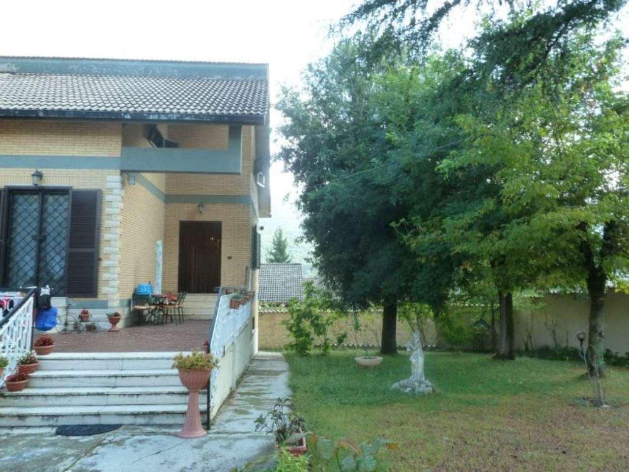 Villa in vendita a Rocca di Botte, 10 locali, prezzo € 280.000 | Cambio Casa.it