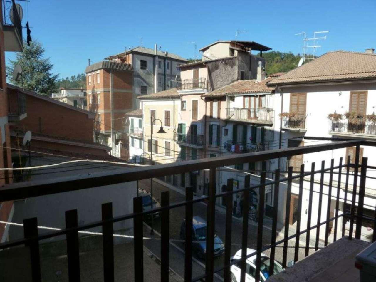Appartamento in vendita a Carsoli, 4 locali, prezzo € 105.000 | Cambio Casa.it