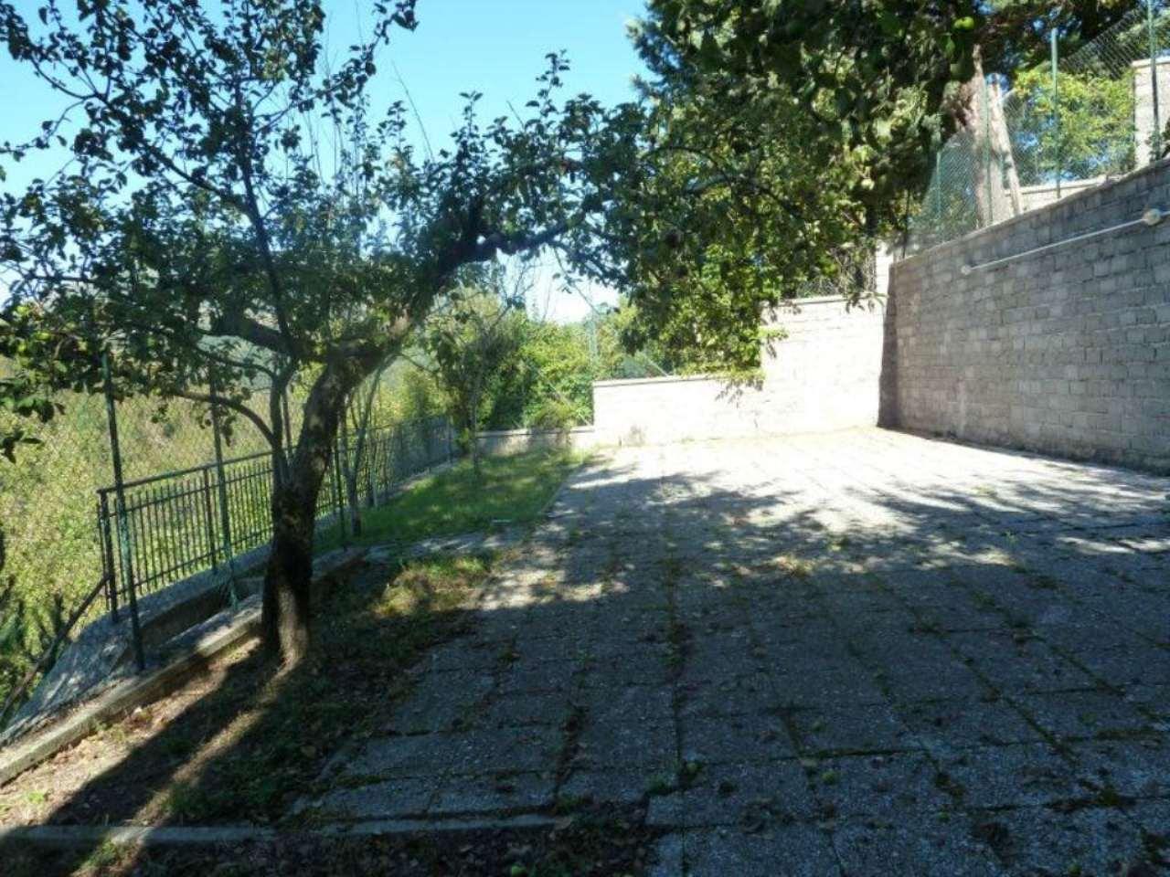 Soluzione Semindipendente in vendita a Nespolo, 7 locali, prezzo € 150.000 | Cambio Casa.it