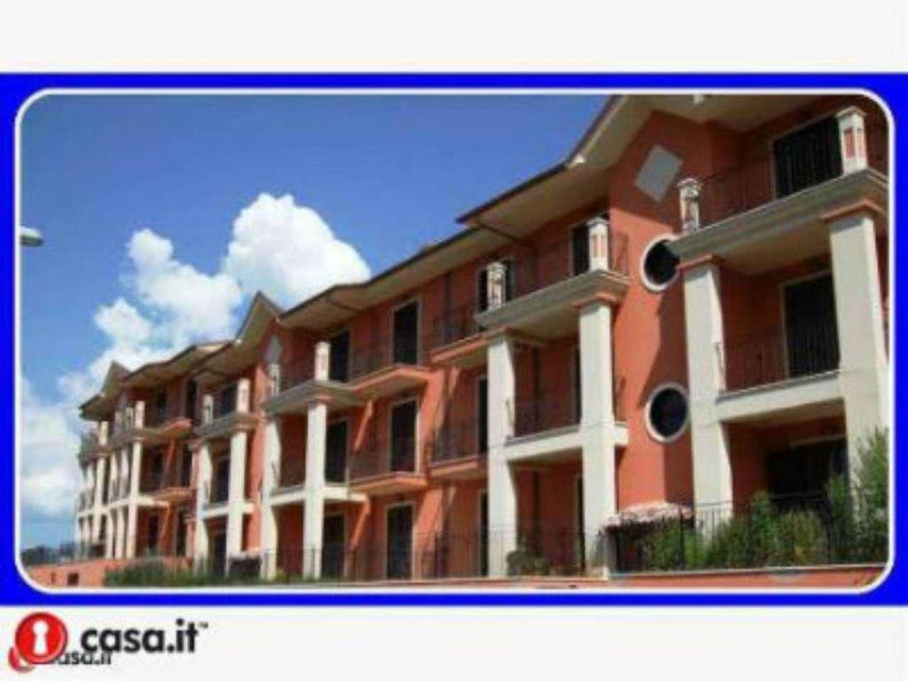 Appartamento in vendita a Carsoli, 6 locali, prezzo € 160.000 | Cambio Casa.it