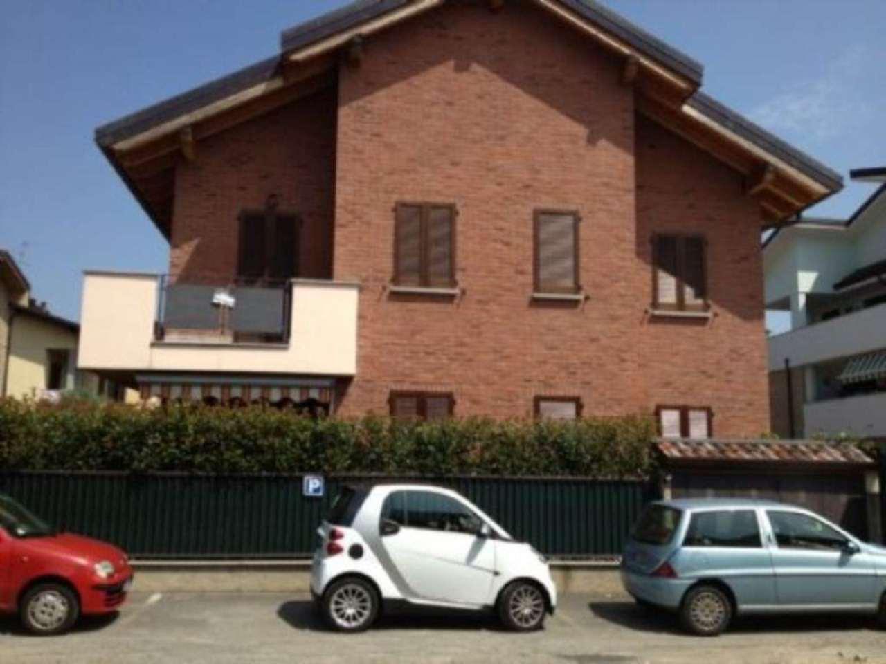 Appartamento in vendita a Seregno, 4 locali, prezzo € 303.000 | Cambio Casa.it