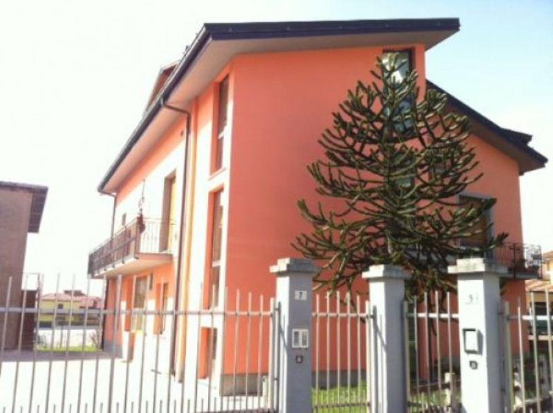 Appartamento in vendita a Cassago Brianza, 4 locali, prezzo € 148.000 | Cambio Casa.it