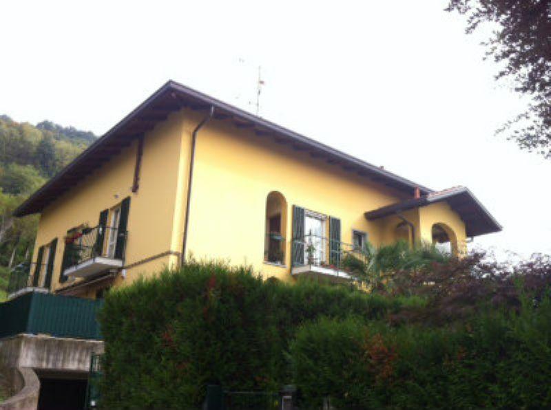 Appartamento in vendita a Castello di Brianza, 4 locali, prezzo € 168.000 | CambioCasa.it