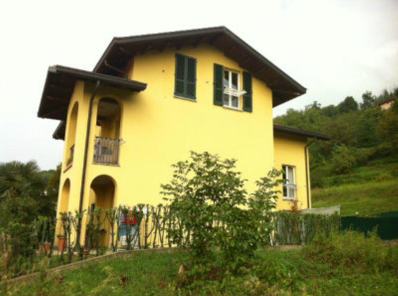 Appartamento in vendita a Castello di Brianza, 4 locali, prezzo € 168.000 | Cambio Casa.it