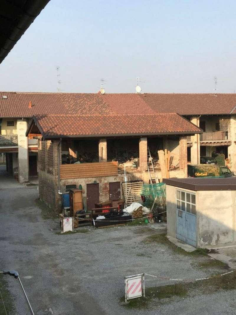 Rustico / Casale in vendita a Giussano, 4 locali, prezzo € 69.000 | CambioCasa.it