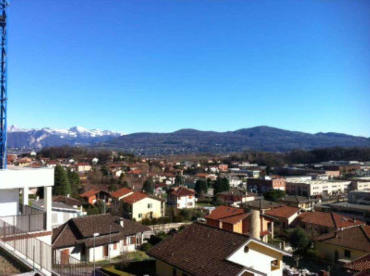 Appartamento in vendita a Cesana Brianza, 4 locali, prezzo € 220.000 | Cambio Casa.it