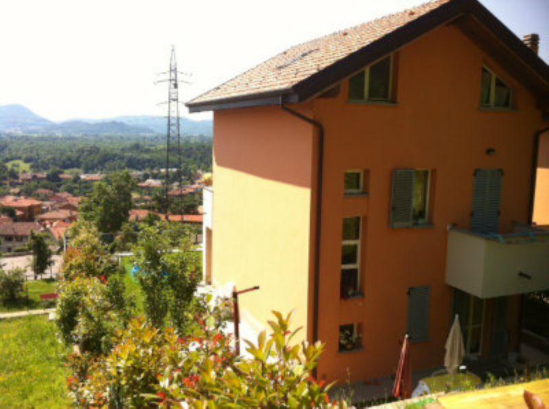 Villa in vendita a Cesana Brianza, 5 locali, prezzo € 380.000 | Cambio Casa.it