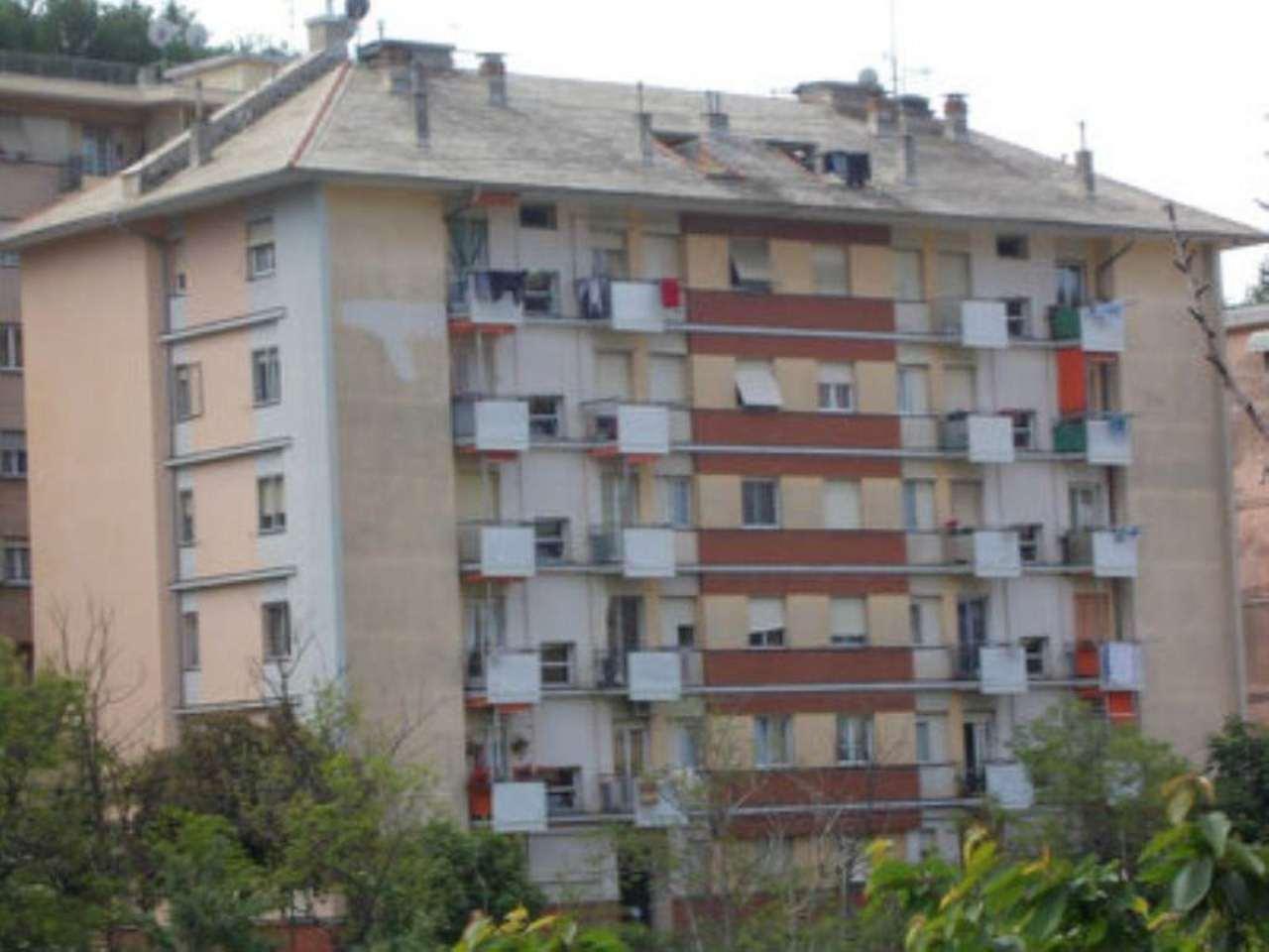 Bilocale Genova Via Bonacchi 1