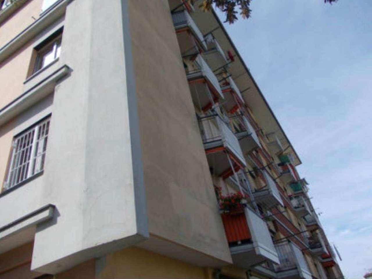 Bilocale Genova Via Bonacchi 2