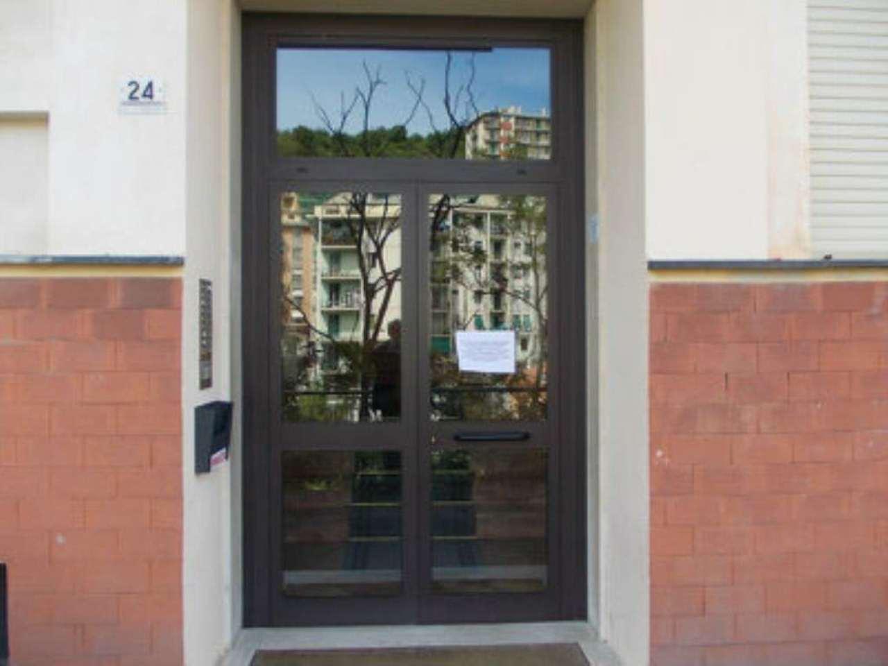 Bilocale Genova Via Bonacchi 13