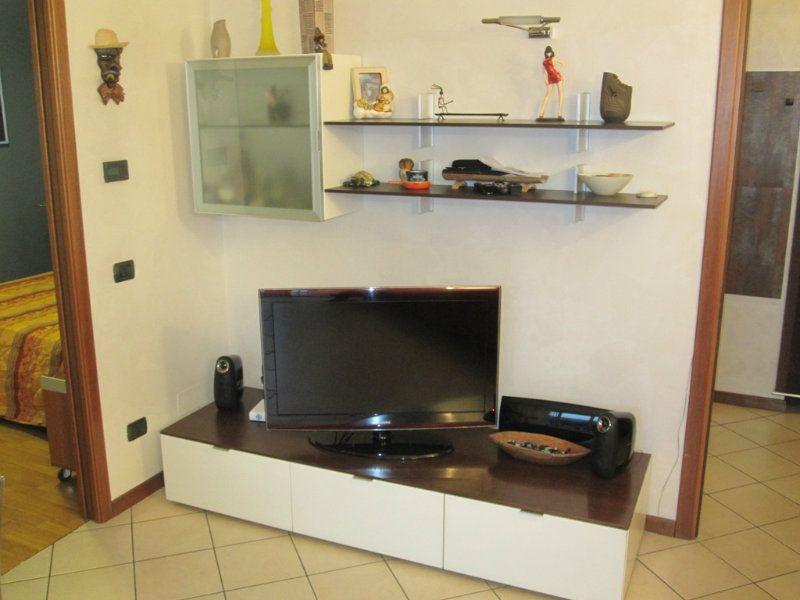 Appartamento in vendita a Desio, 2 locali, prezzo € 125.000   Cambiocasa.it