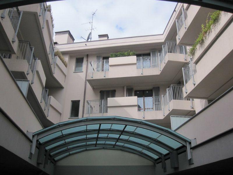 Bilocale Desio Via San Pietro 2