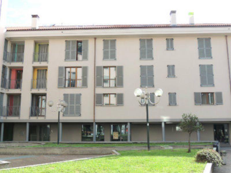 Bilocale Desio Via San Pietro 8