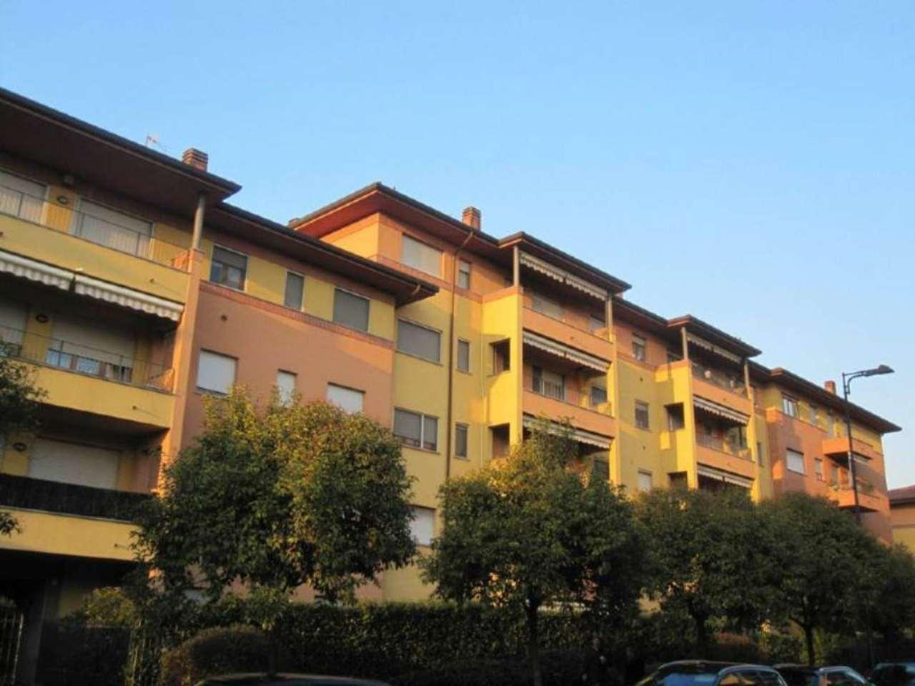 Bilocale Desio Via Lombardia 1