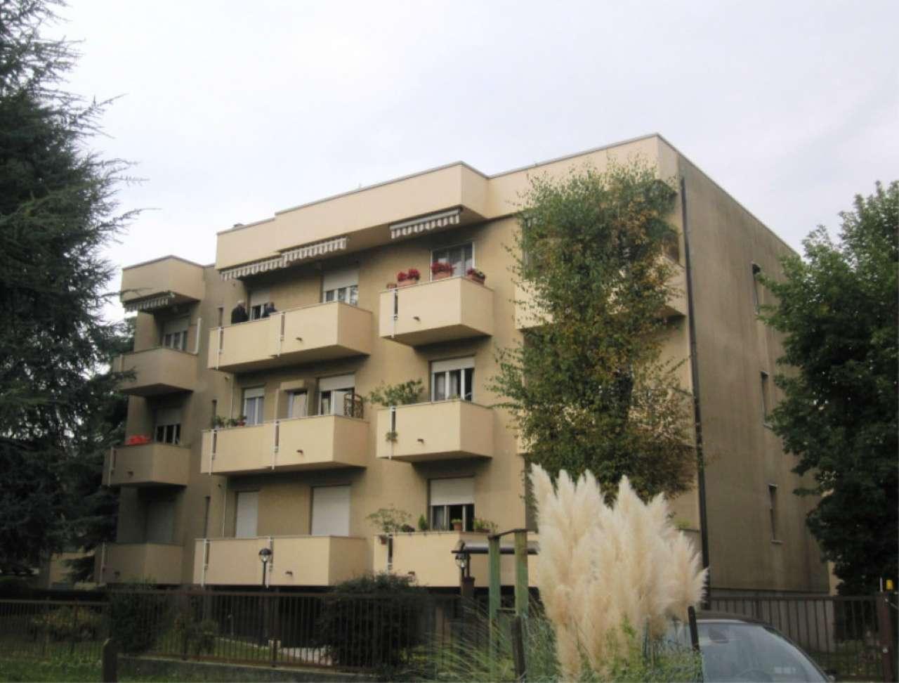 Appartamento in vendita a Verano Brianza, 3 locali, prezzo € 95.000 | CambioCasa.it