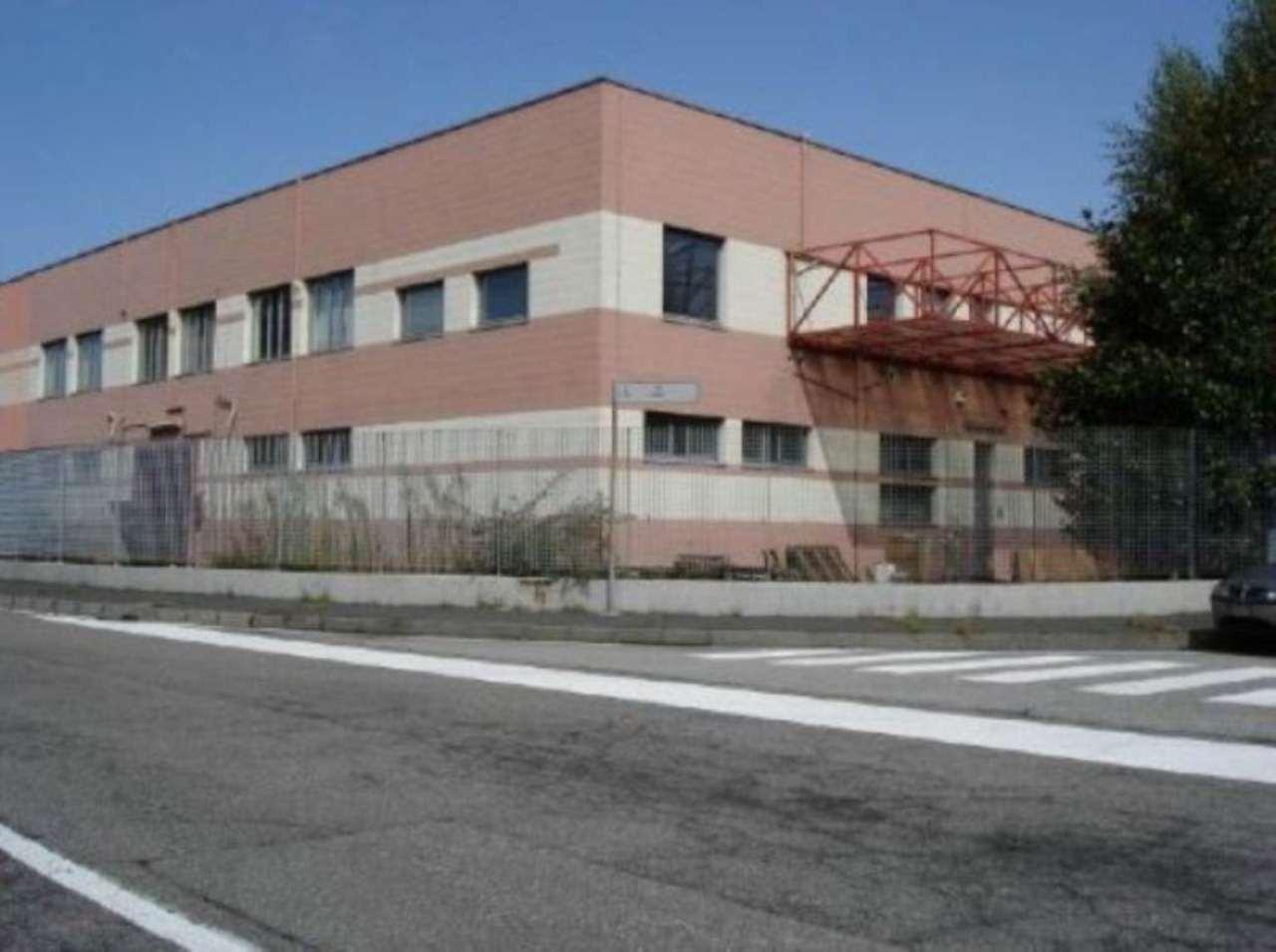 Capannone in affitto a Paderno Dugnano, 2 locali, prezzo € 2.666 | Cambio Casa.it