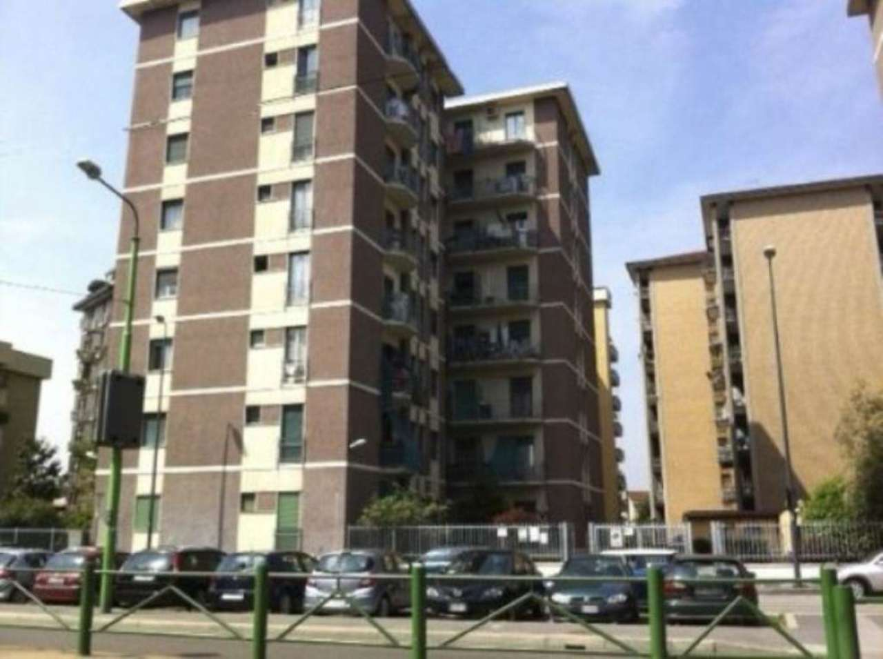Bilocale Milano Via Ornato 3