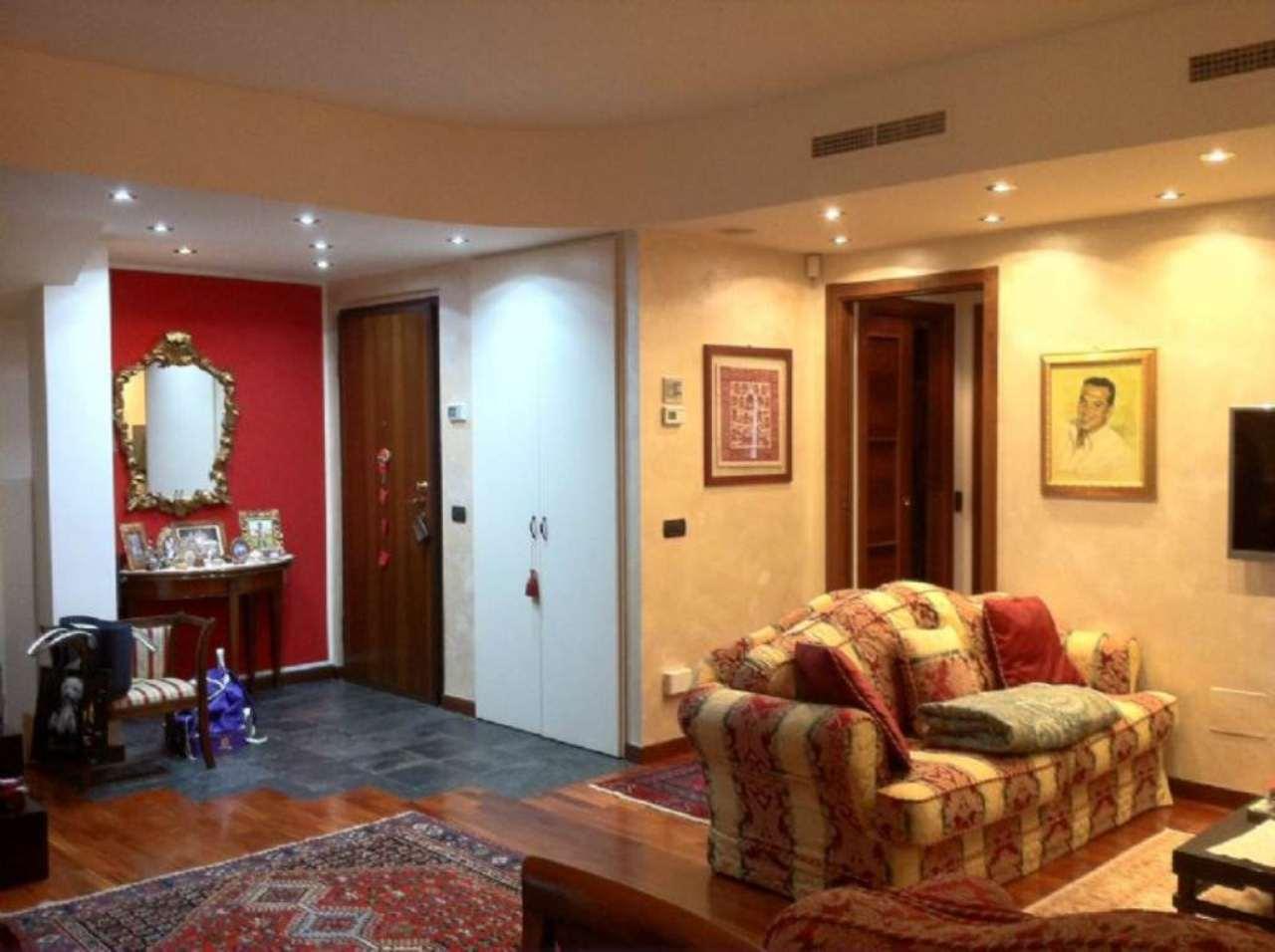 Attico / Mansarda in vendita a Bresso, 4 locali, prezzo € 570.000 | Cambio Casa.it