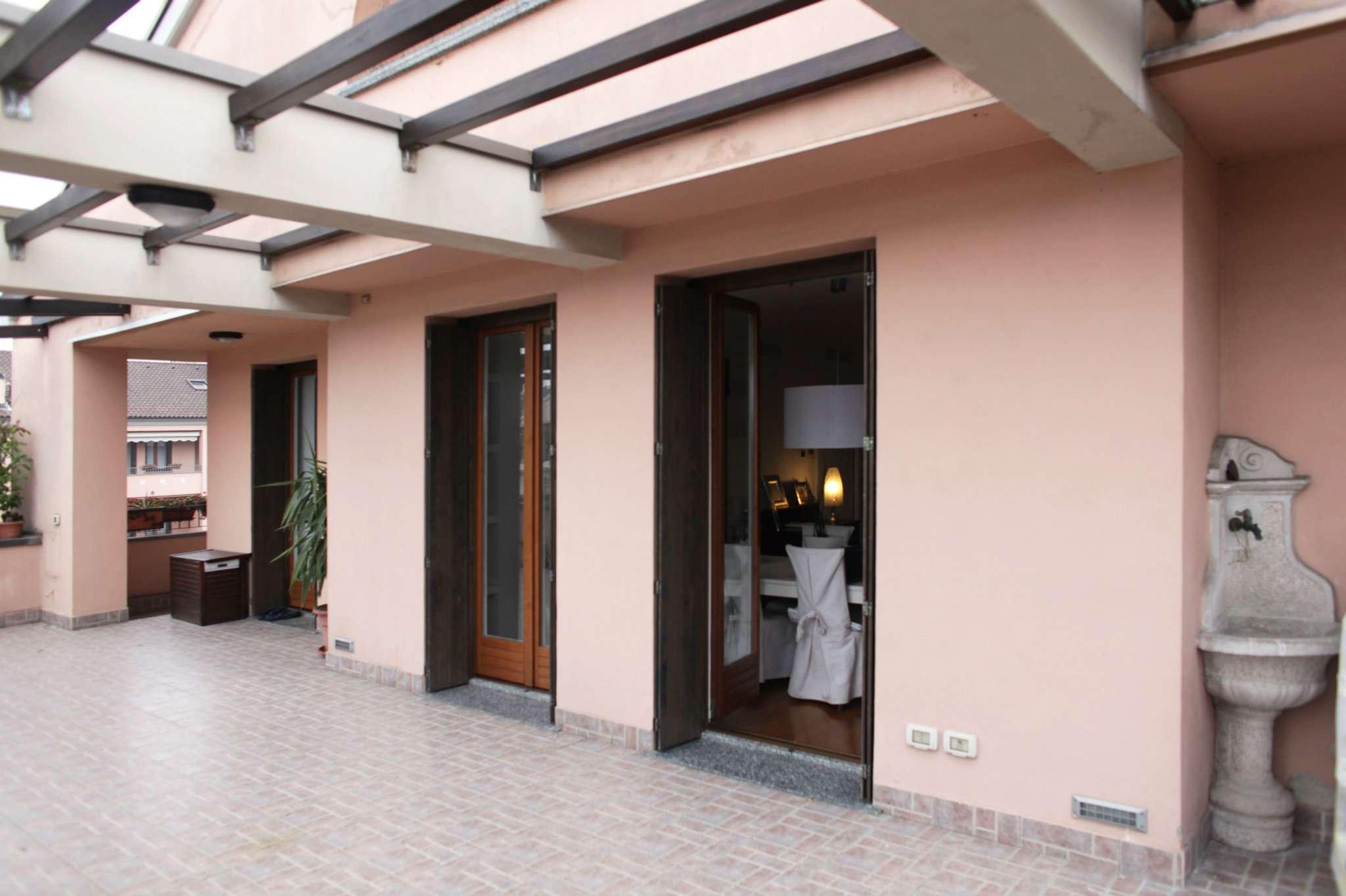 Attico / Mansarda in vendita a Paderno Dugnano, 5 locali, Trattative riservate | Cambio Casa.it
