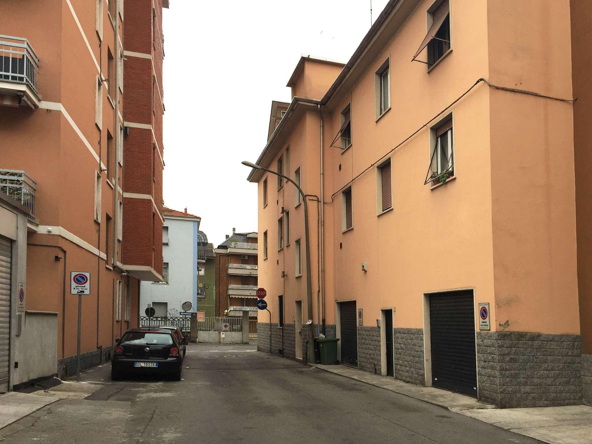 Palazzo / Stabile in Vendita a Bresso