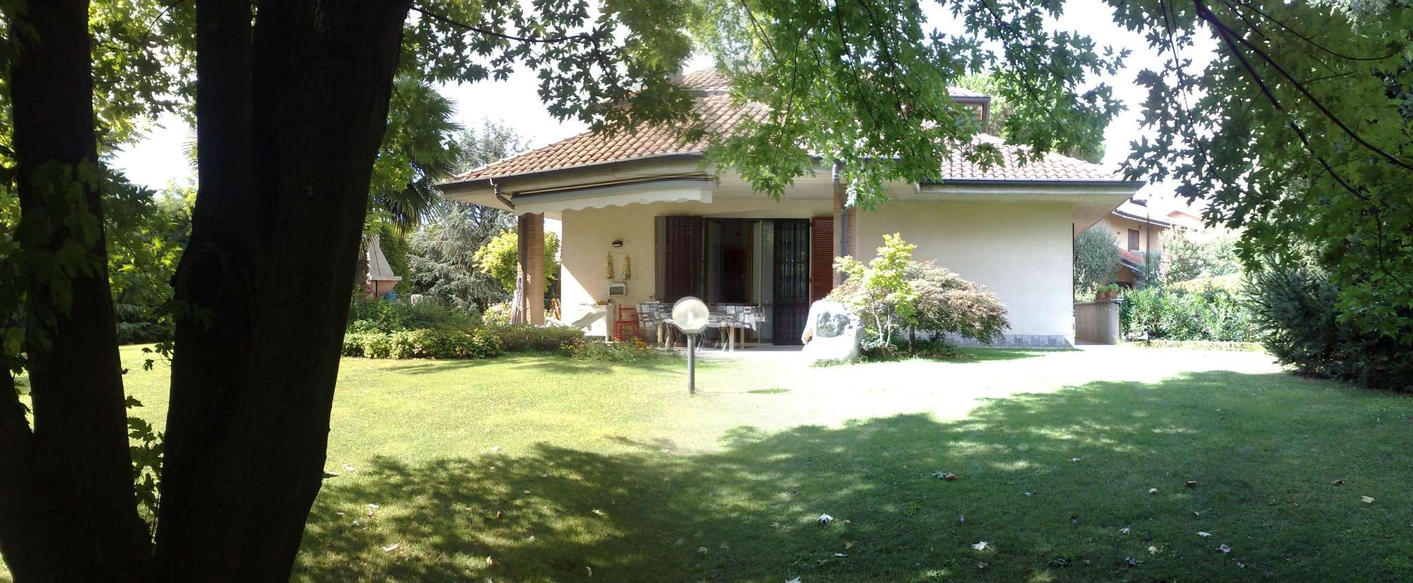 Villa in vendita a Carnate, 5 locali, prezzo € 510.000 | CambioCasa.it