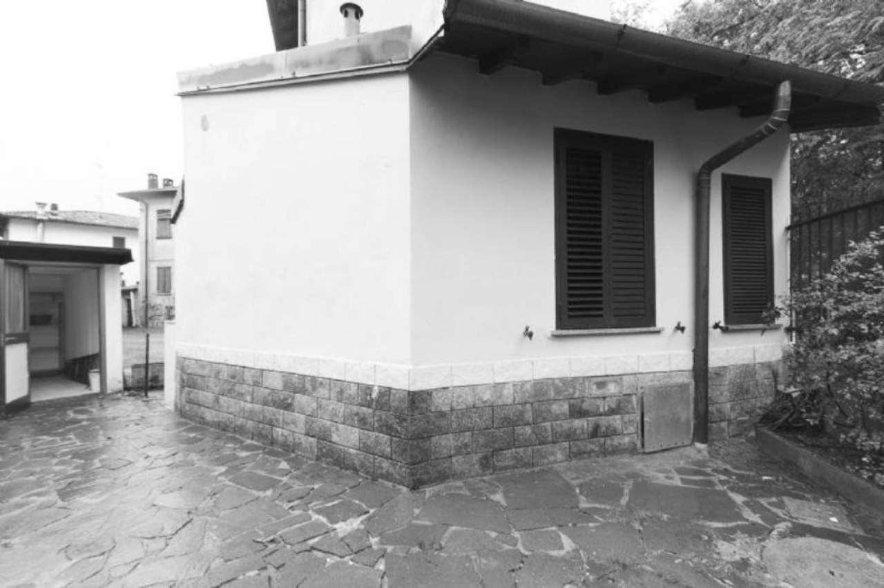 Bilocale Binasco Via Costa 6
