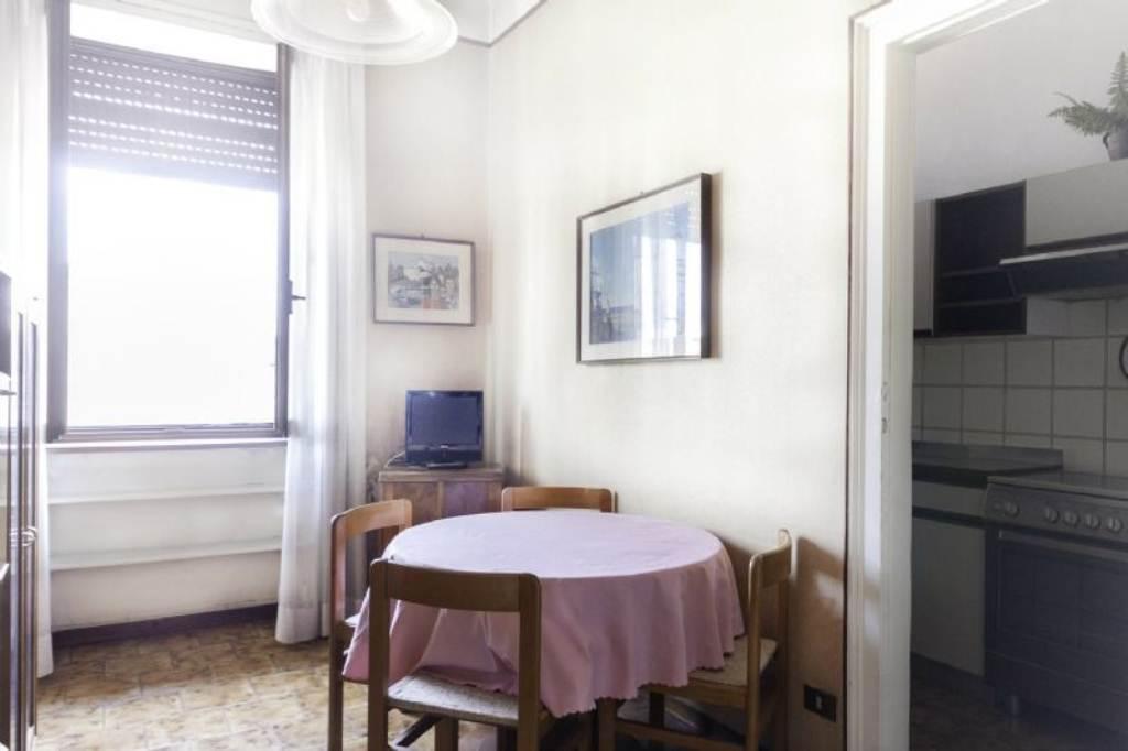 Bilocale Milano Viale Corsica 8