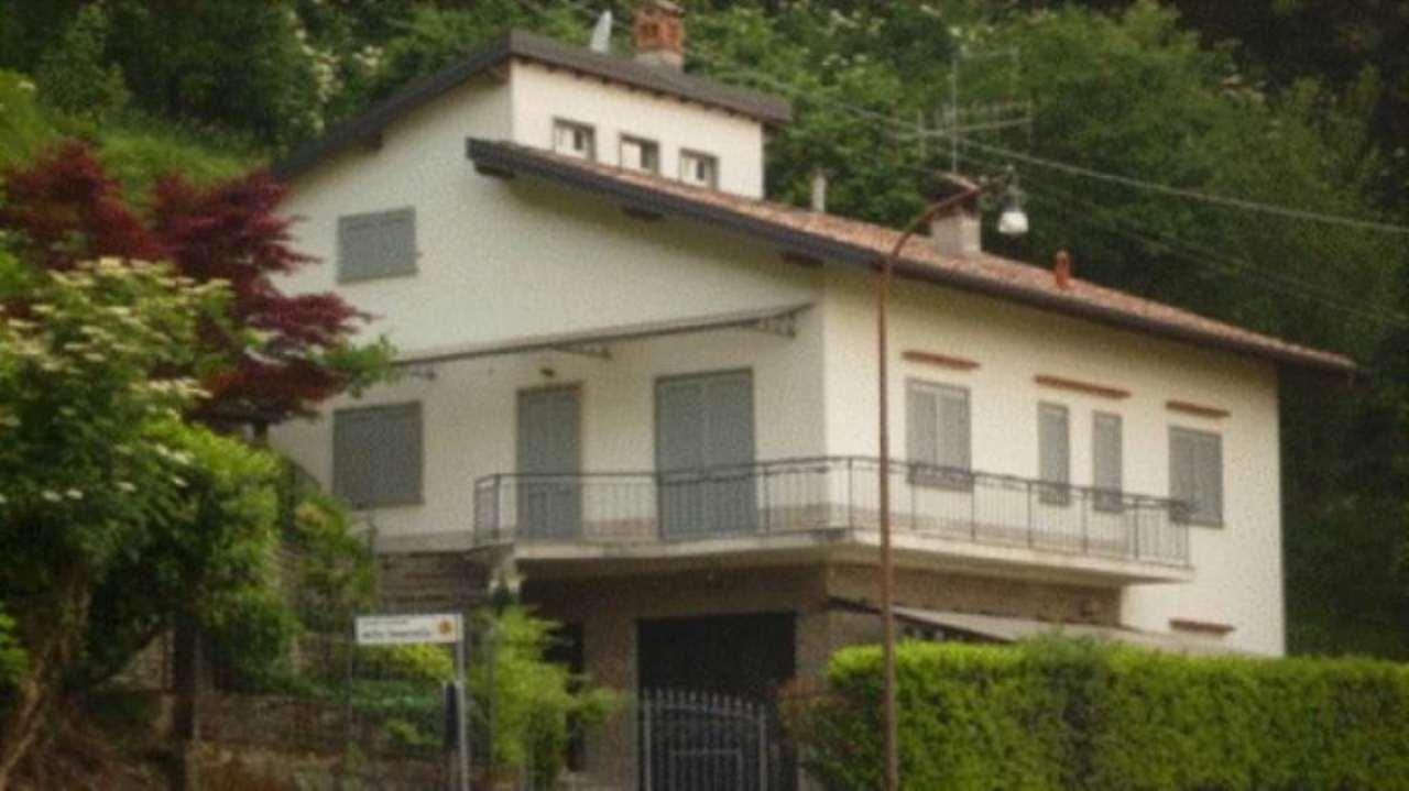 Villa in vendita a Bergamo, 6 locali, prezzo € 650.000 | Cambio Casa.it