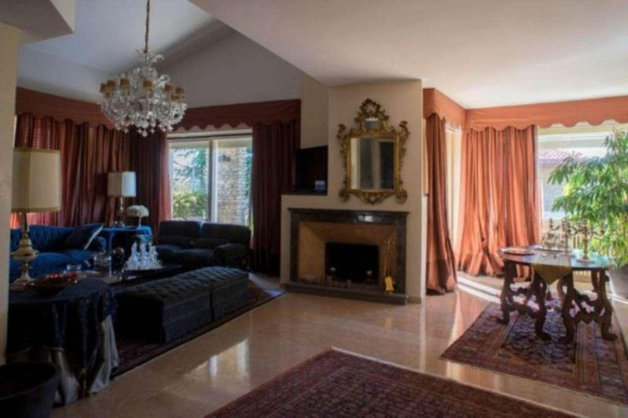 Villa in vendita a Bergamo, 6 locali, Trattative riservate | CambioCasa.it