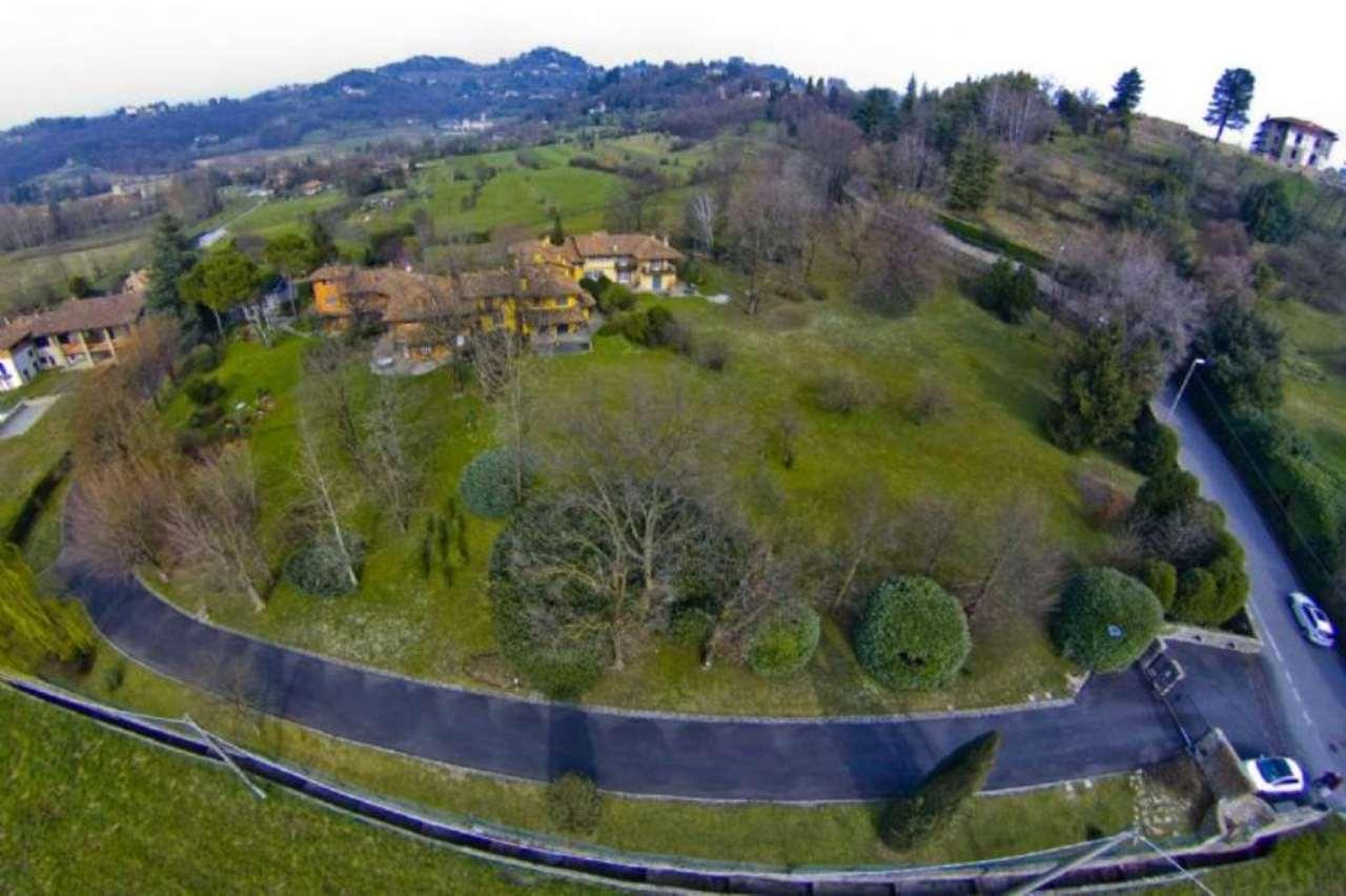 Villa in vendita a Bergamo, 6 locali, prezzo € 1.200.000 | CambioCasa.it