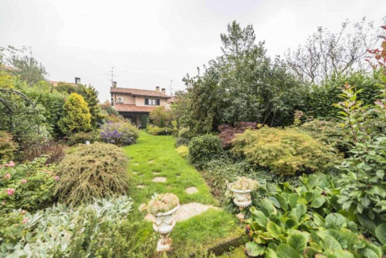Villa in vendita a Gorle, 7 locali, prezzo € 890.000 | Cambio Casa.it