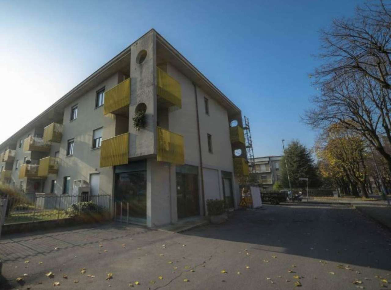 Negozio / Locale in vendita a Azzano San Paolo, 4 locali, prezzo € 290.000 | Cambio Casa.it