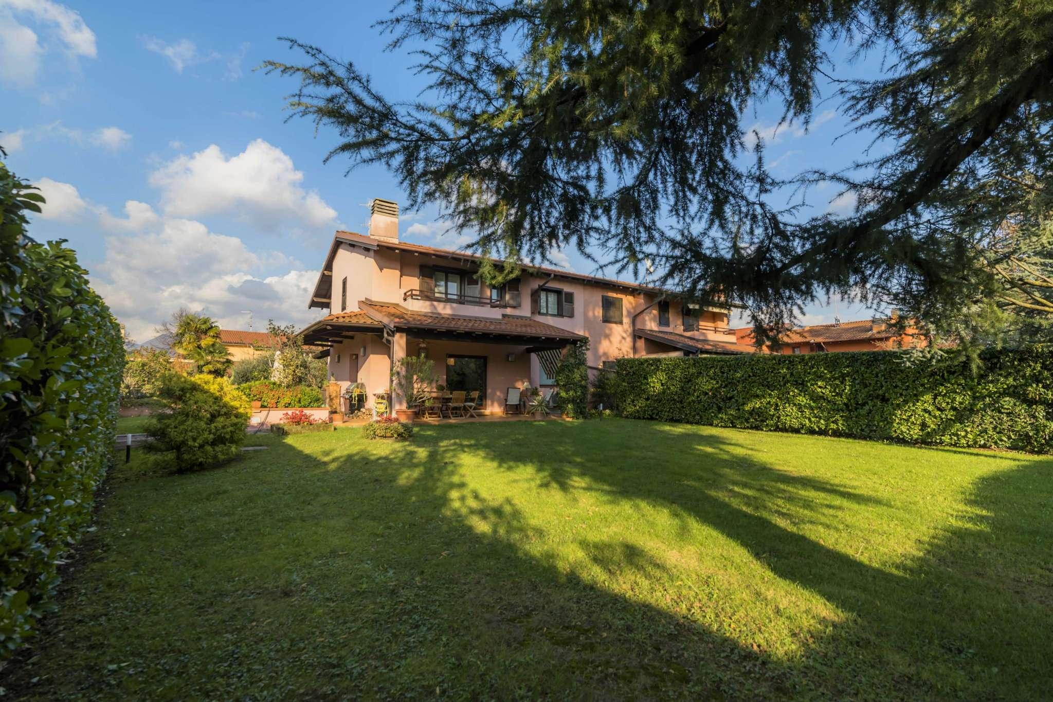 Villa in Vendita a Gorle