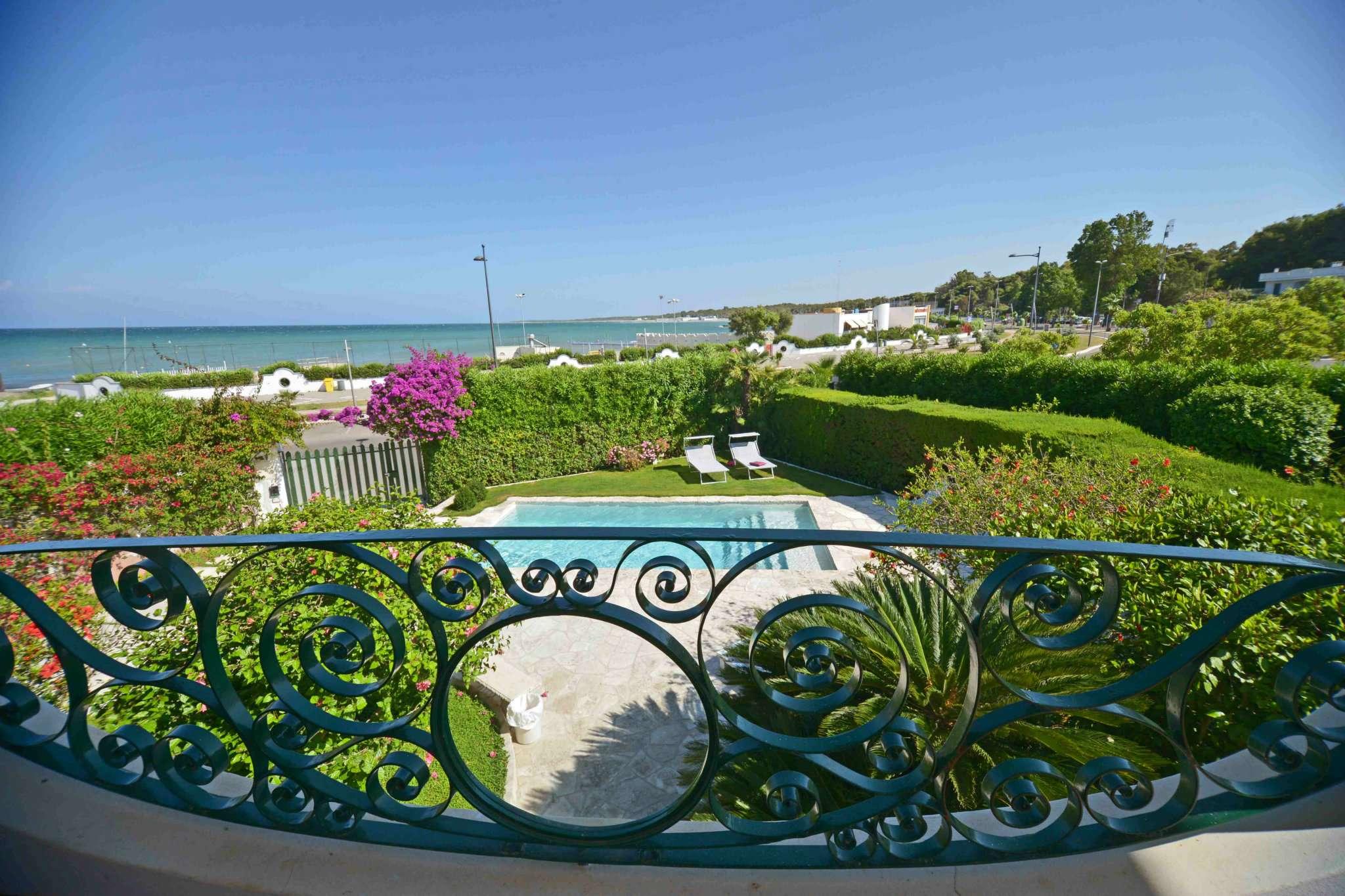 Villa in vendita a Lecce, 8 locali, prezzo € 690.000 | Cambio Casa.it