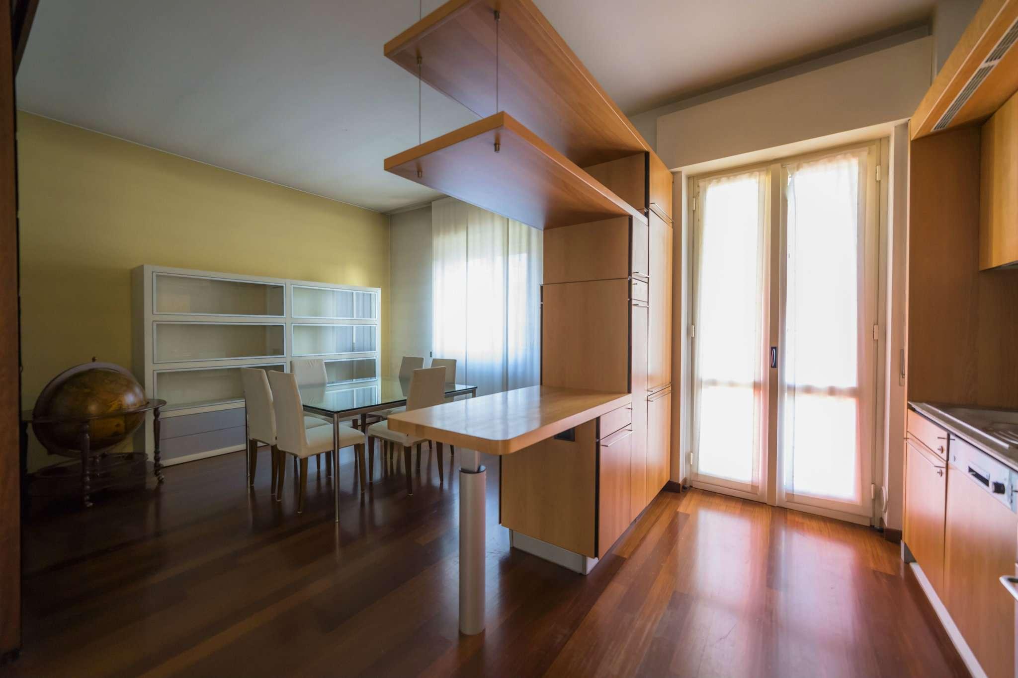 Appartamento in vendita a Bergamo, 4 locali, prezzo € 375.000 | Cambio Casa.it