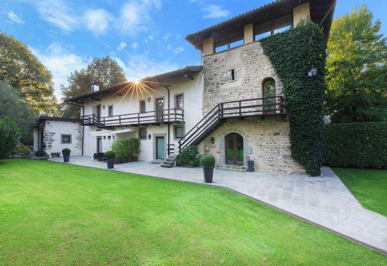 Villa in vendita a Brembate di Sopra, 6 locali, Trattative riservate | Cambio Casa.it