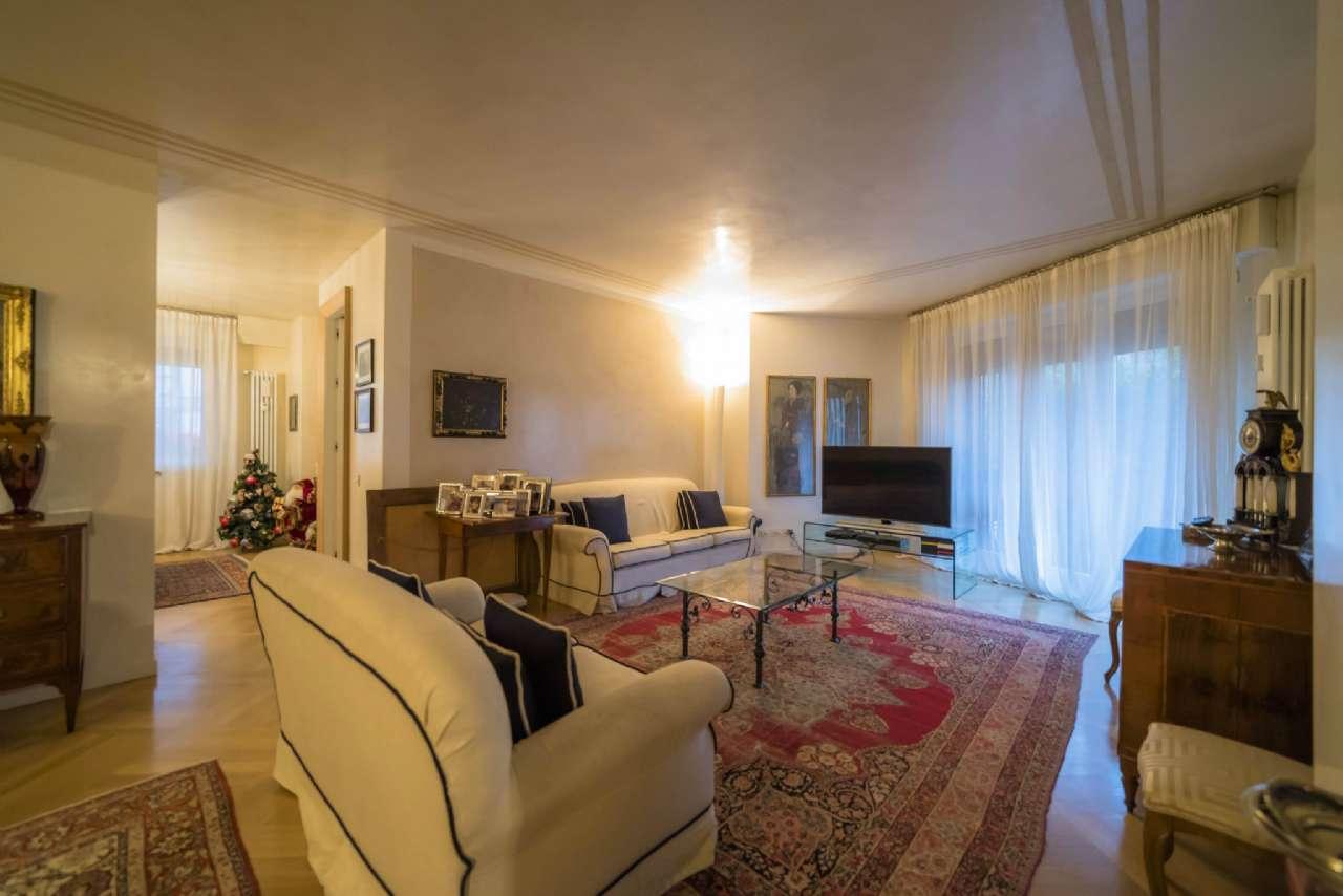 Appartamento in vendita a Bergamo, 5 locali, prezzo € 980.000 | Cambio Casa.it