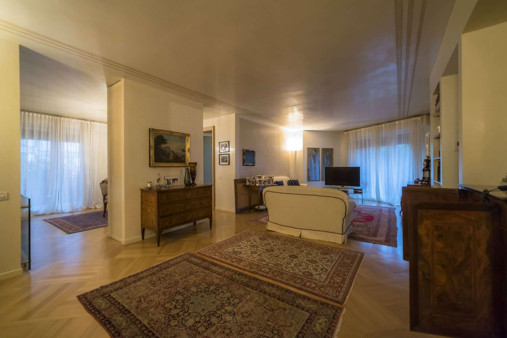 Appartamento in vendita a Bergamo, 5 locali, prezzo € 1.100.000 | Cambio Casa.it