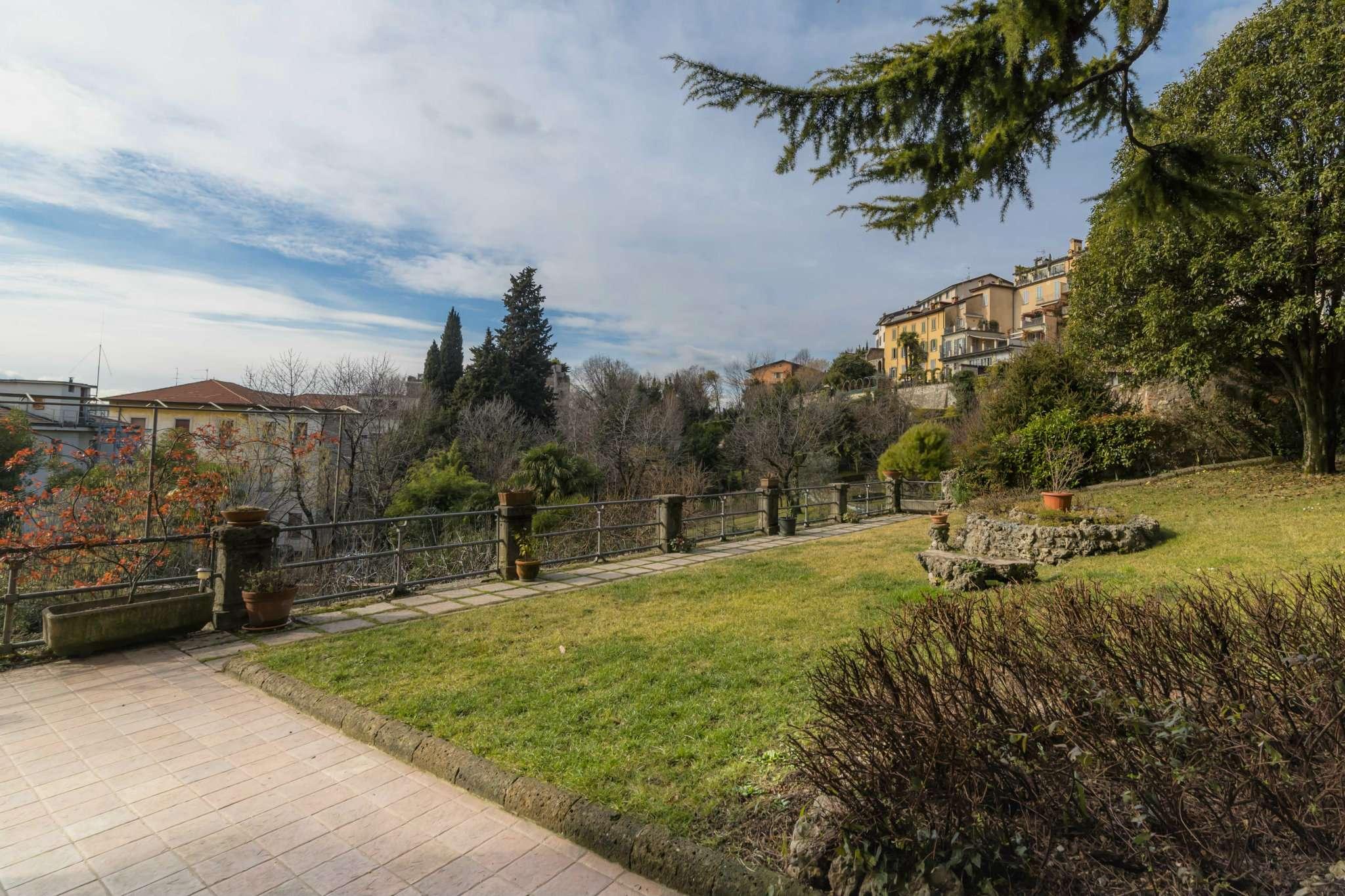 Appartamento in vendita a Bergamo, 5 locali, prezzo € 900.000 | CambioCasa.it