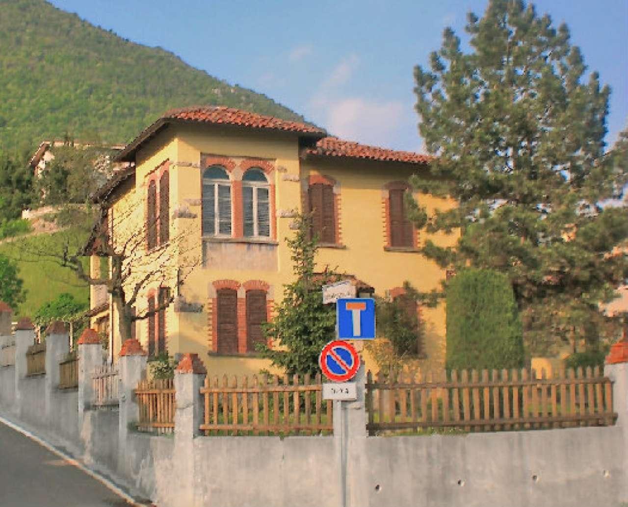 Villa in vendita a Albino, 5 locali, prezzo € 490.000 | Cambio Casa.it