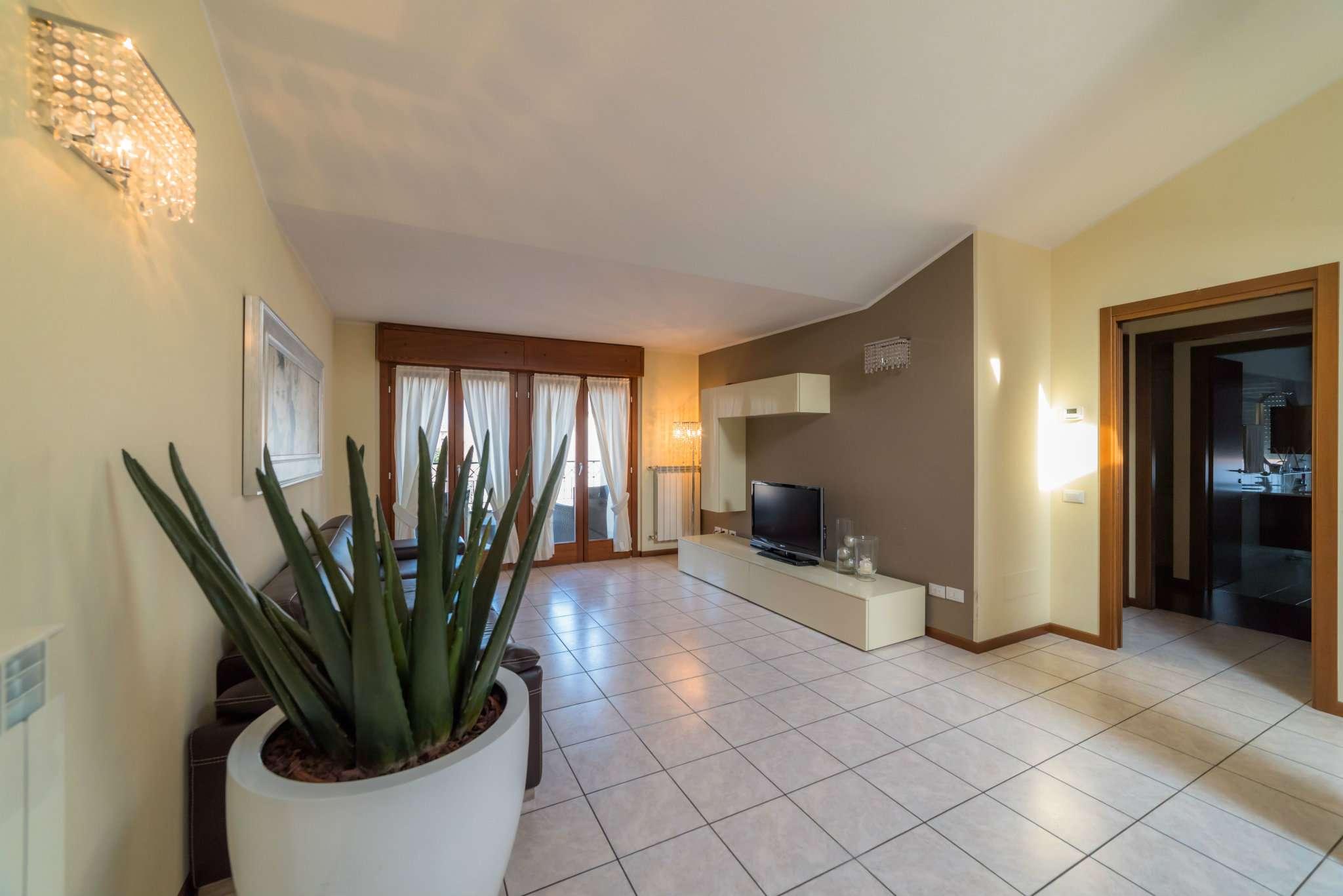 Appartamento in vendita a Bergamo, 4 locali, prezzo € 350.000 | Cambio Casa.it