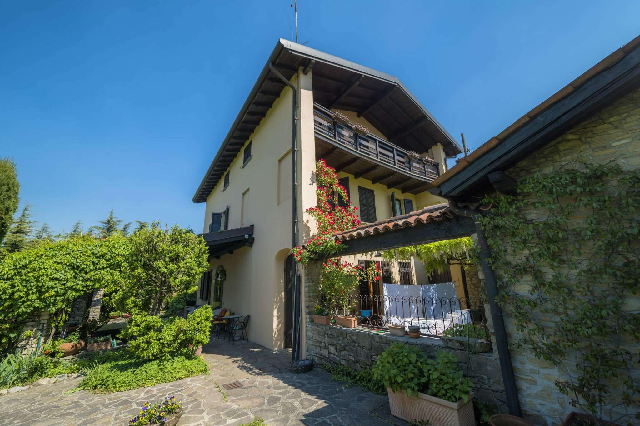 Villa in vendita a Bergamo, 8 locali, prezzo € 1.500.000 | Cambio Casa.it