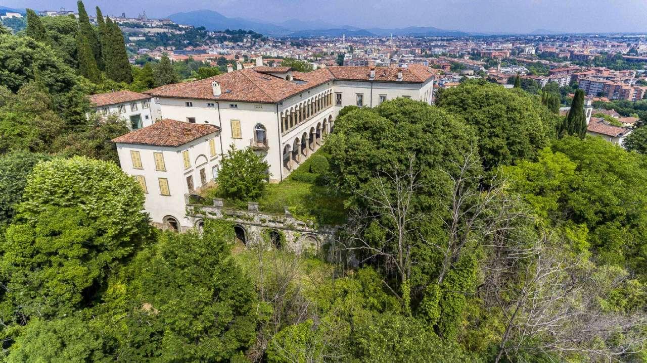 Appartamento in vendita a Bergamo, 5 locali, prezzo € 780.000 | CambioCasa.it