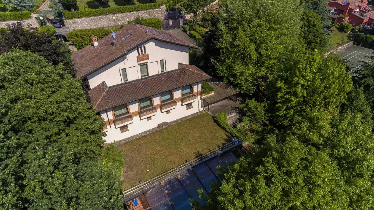 Villa in Vendita a Ponteranica