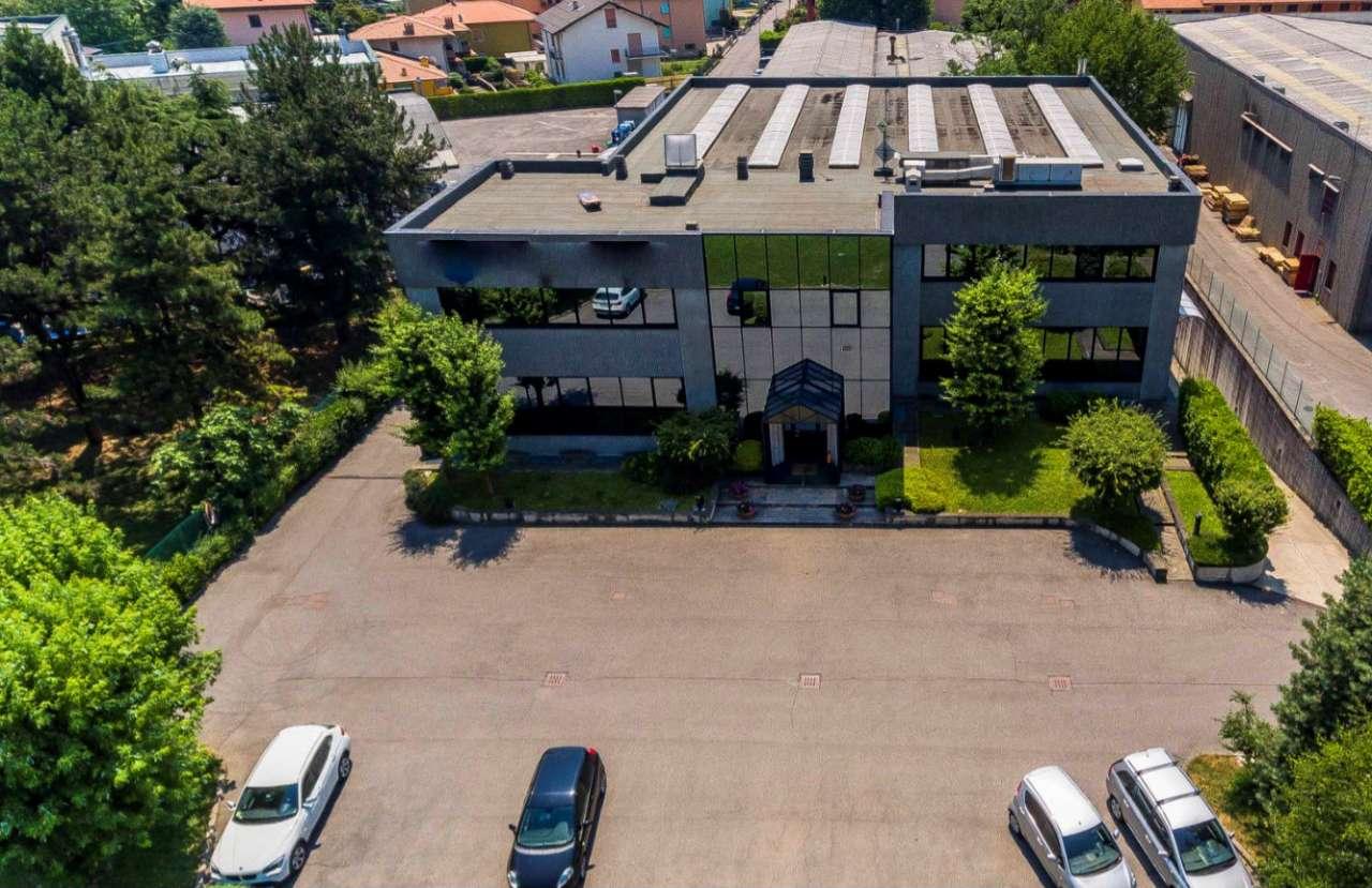 Capannone in vendita a Ranica, 10 locali, Trattative riservate   Cambio Casa.it
