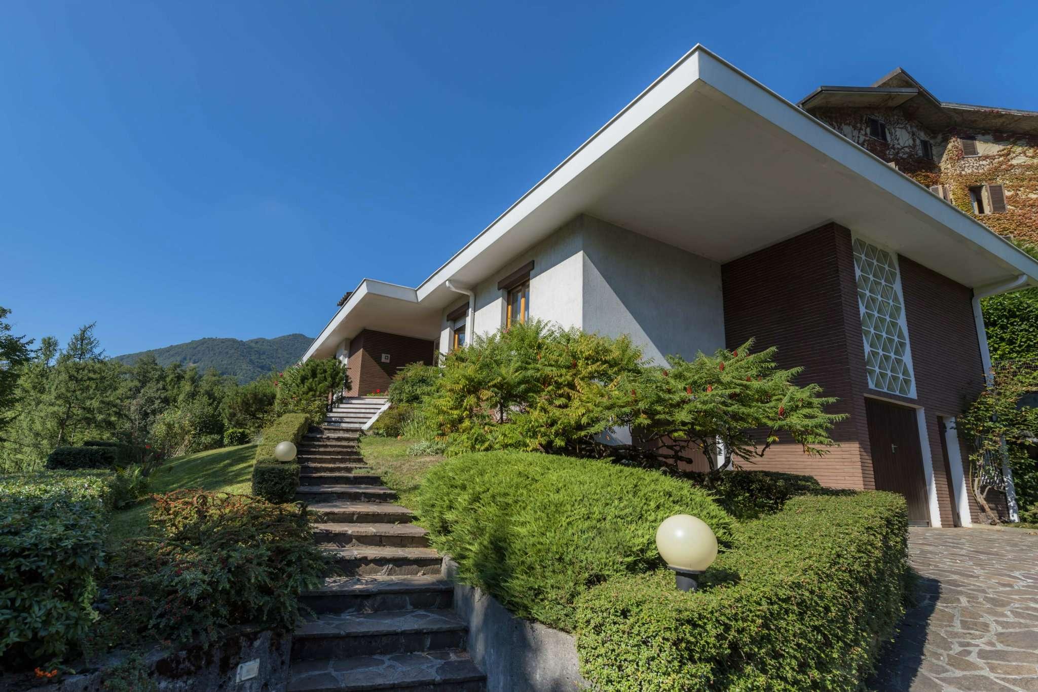 Villa in vendita a Gazzaniga, 7 locali, prezzo € 395.000 | CambioCasa.it