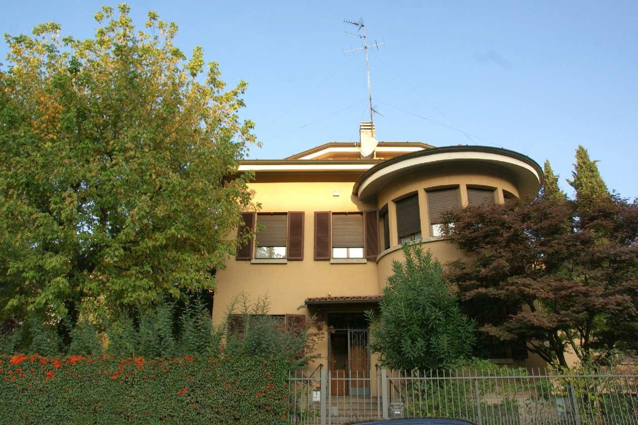 Villa in vendita a Bergamo, 11 locali, prezzo € 1.590.000 | CambioCasa.it