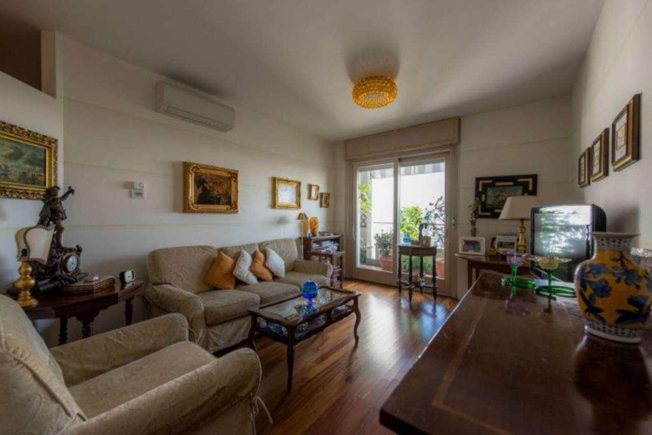 Appartamento in vendita a Bergamo, 4 locali, prezzo € 380.000 | Cambio Casa.it