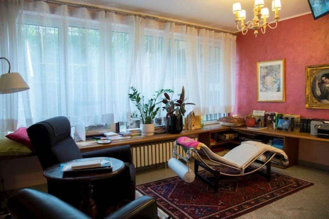 Villa in vendita a Mozzo, 8 locali, prezzo € 650.000 | Cambio Casa.it
