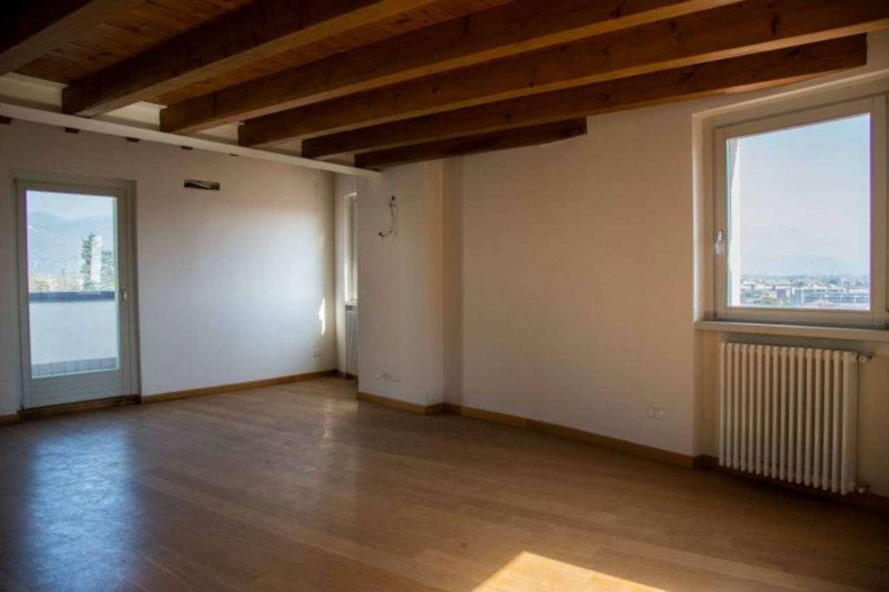 Appartamento in vendita a Bergamo, 4 locali, prezzo € 879.000 | CambioCasa.it